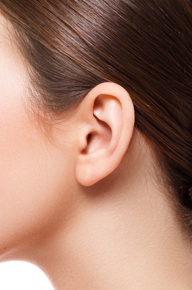 Ohrläppchenkorrektur und Ohrlochkorrektur